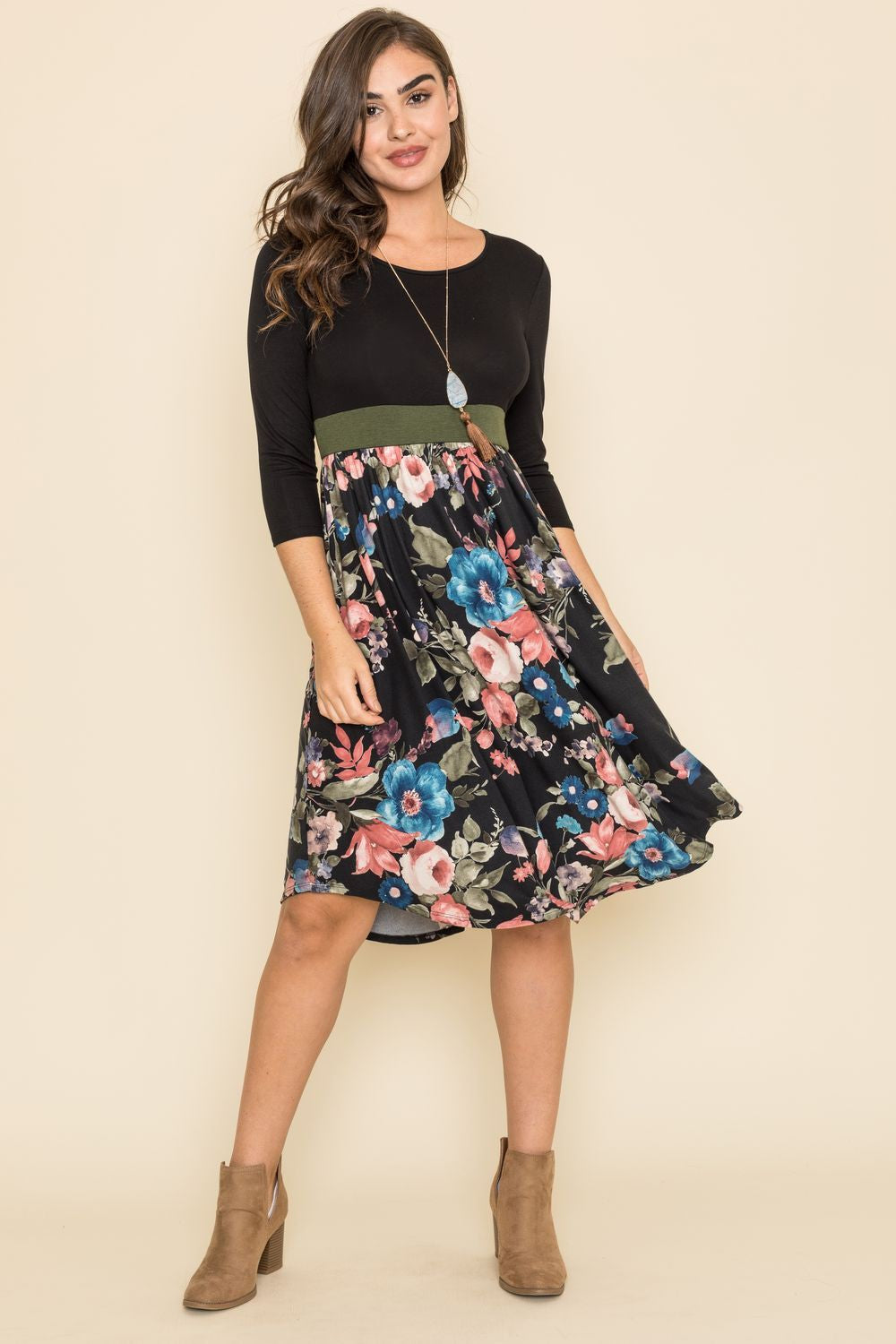 3/4 Sleeve Black Floral Olive Band Curved Hem Midi Dress_Plus