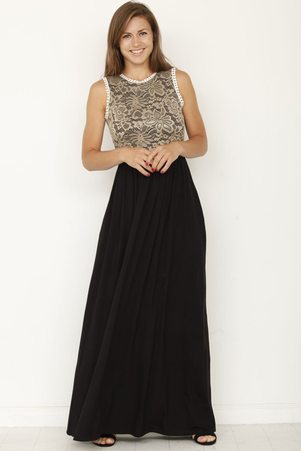 Black & Gold Lace Maxi Dress_Plus