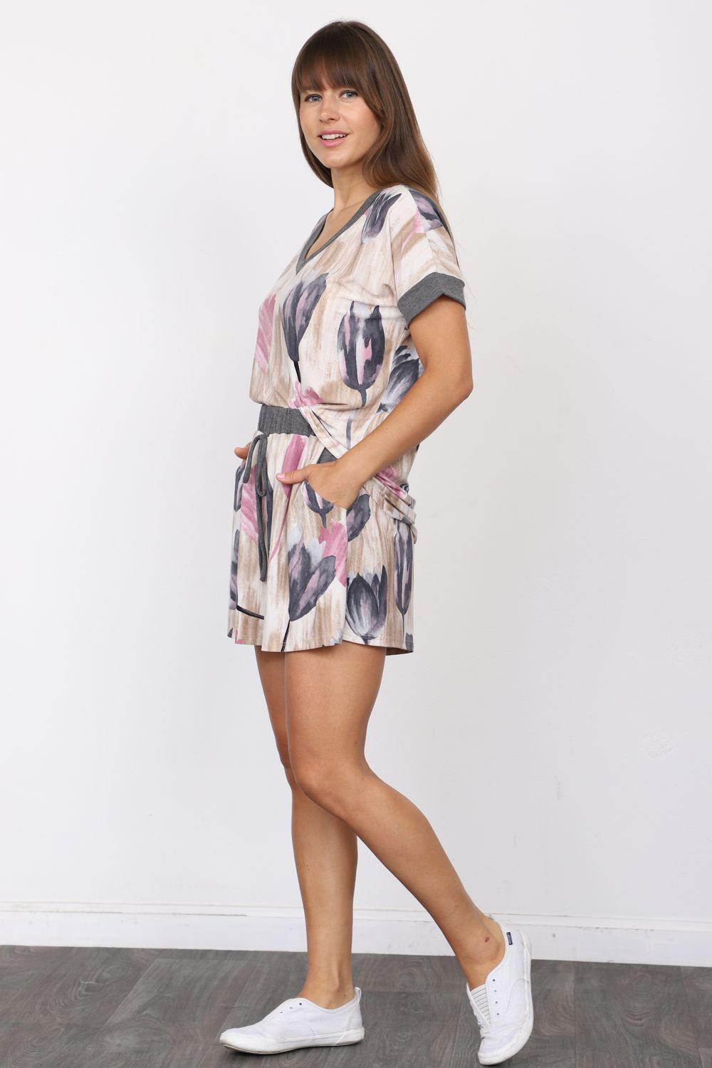 Charcoal Pink Tulip V-Neck Top & Shorts Set_Plus