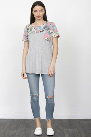 Grey & Pink Paisley Chest-Pocket Short Sleeve Top_Plus