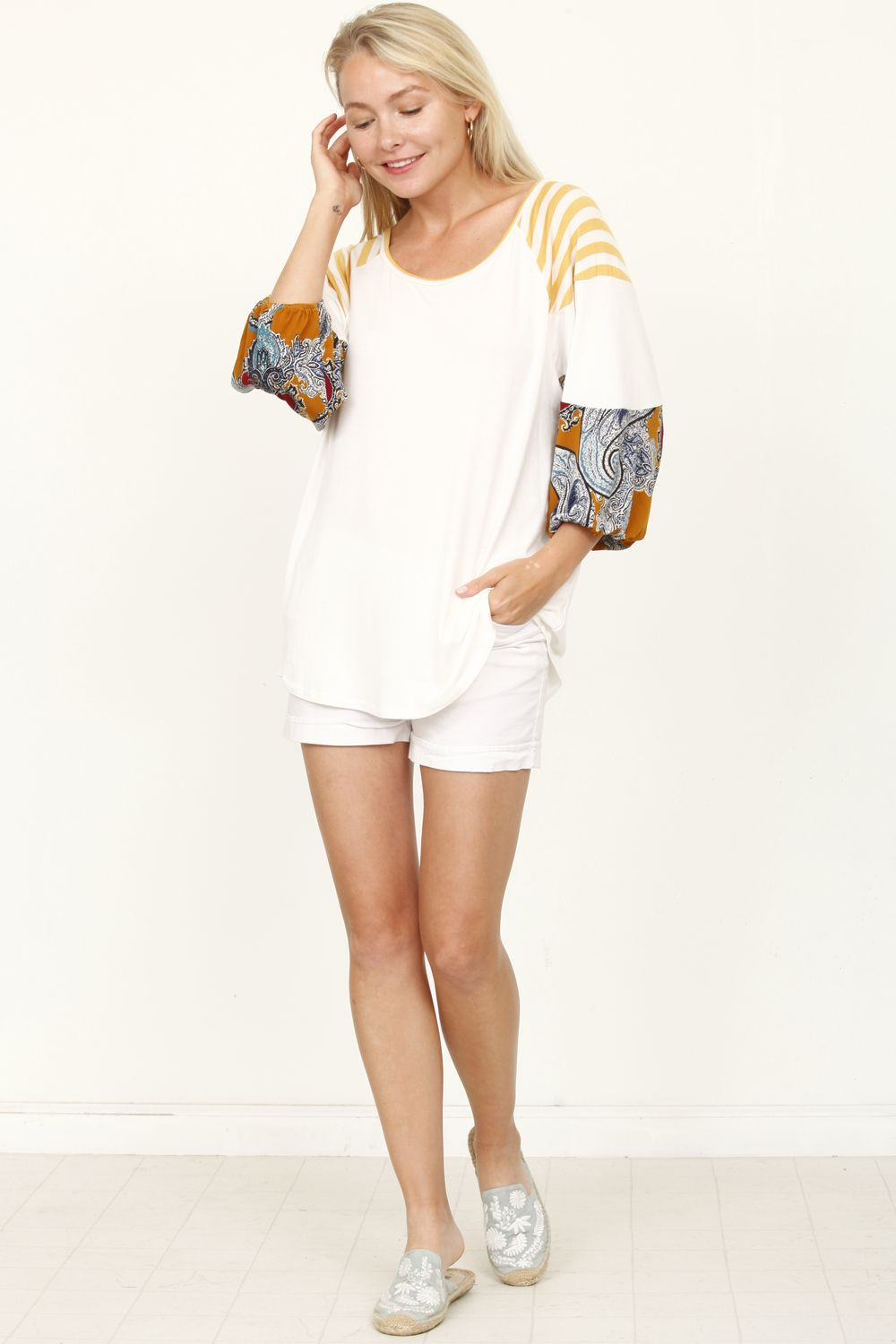 White Paisley 3/4 Bishop Sleeve Raglan Top