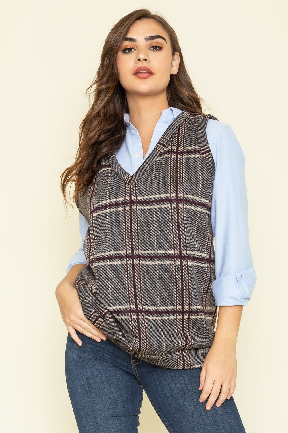 Charcoal Burgundy Plaid V-Neck Vest_Plus