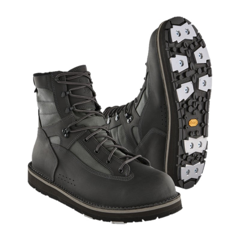 Wading boots with aluminium cleats