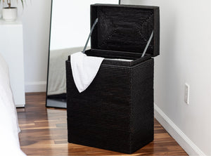 Laundry basket with cloth liner