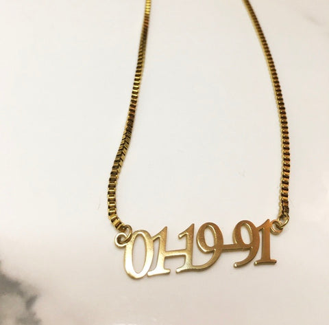 It's A Date! Necklace