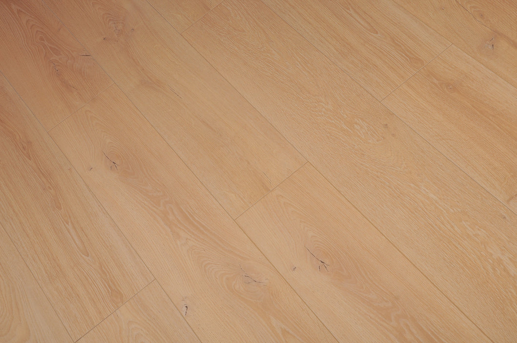 TOUCAN- LAMINATE FLOORING - TF4617