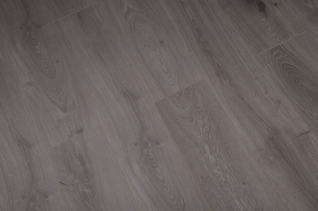 TOUCAN- LAMINATE FLOORING - EIR FINISH - TF6020