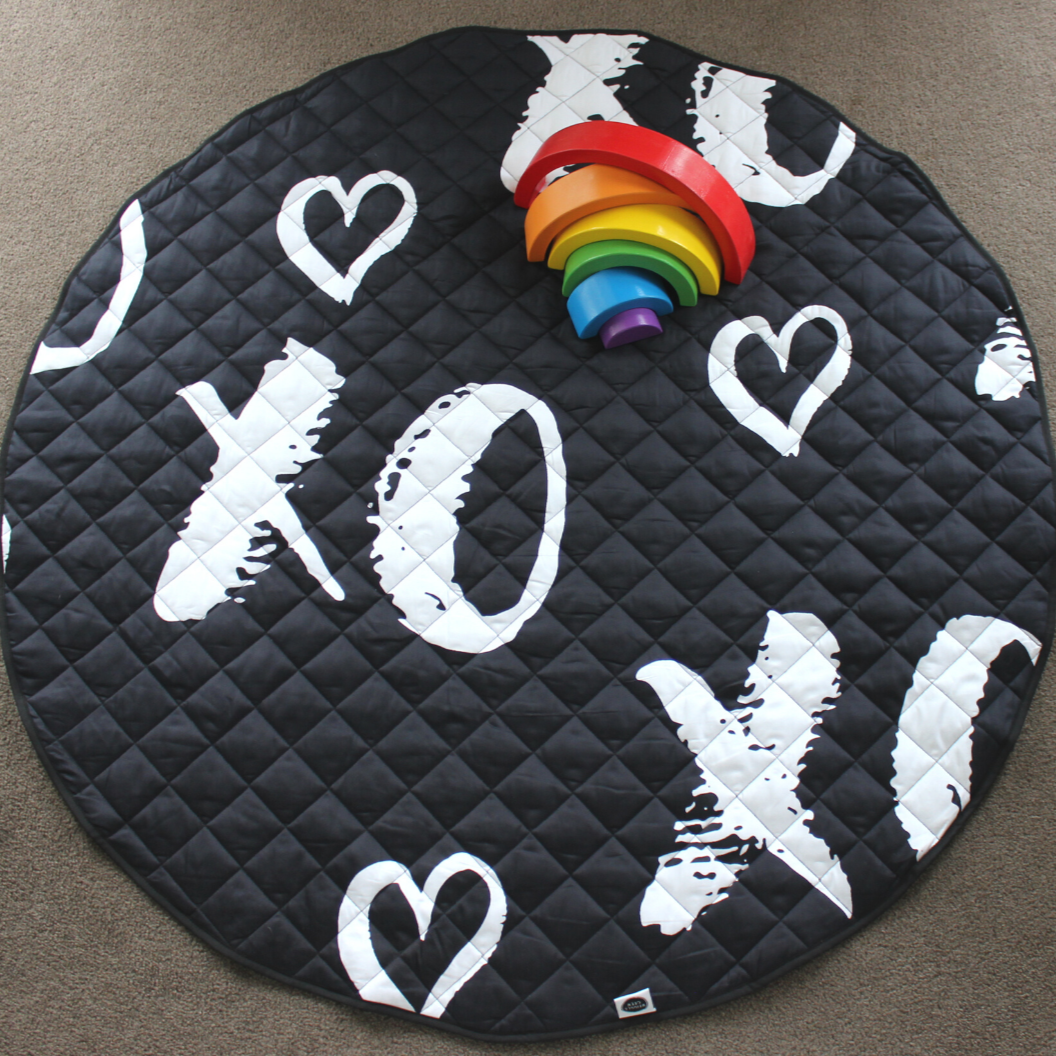 Luxe Cotton Play Mat - Hugs & Kisses