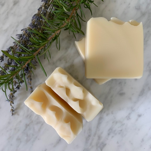 all natural lavender, peppermint + rosemary shampoo bar