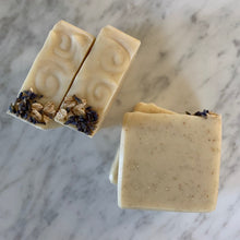 Load image into Gallery viewer, all natural oatmeal and lavender bastille bar soap
