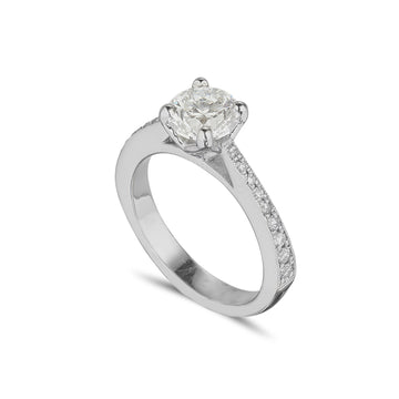 platinum diamond solitaire with with a d colour round brilliant cut certified diamond and tappered diamond set band