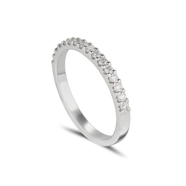18ct white gold claw set wedding or eternity ring