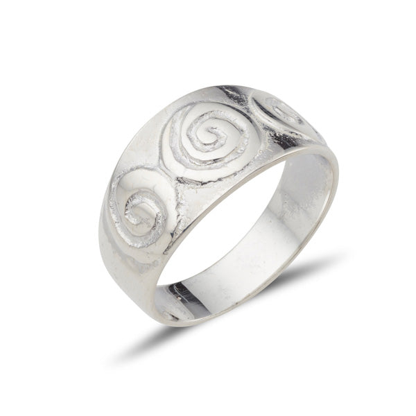 sterling silver celtic design tripple newgrange spiral embossed on a tappered band