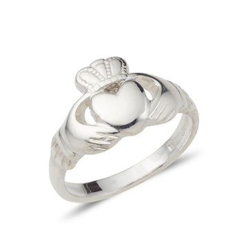 white gold ladies claddagh ring classic medium sized at 10mm at the widest point
