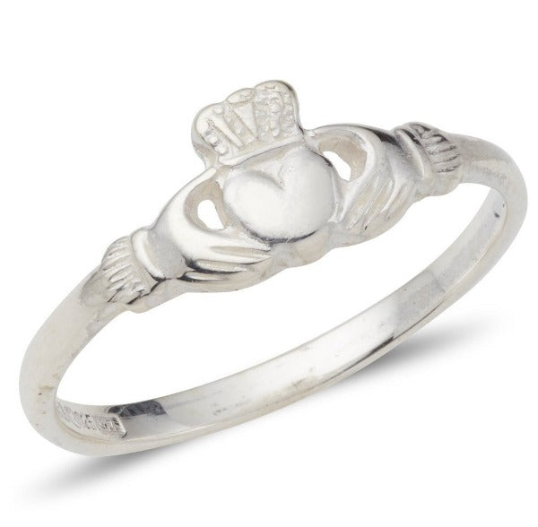 sterling silver thin and danity ladies claddagh ring