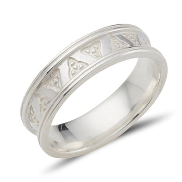 sterling silver celtic design ring.  the trinity triskle knot is etched into this ring all the way around with raised edges, the ring is 6mm wide