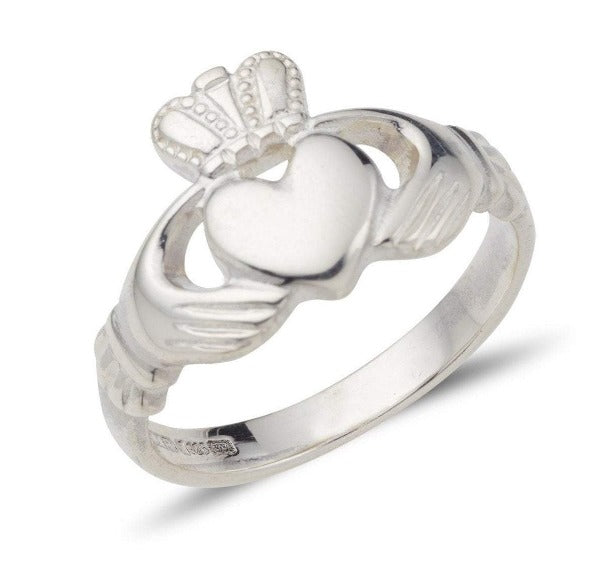 white gold ladies claddagh ring hand engraved celtic band