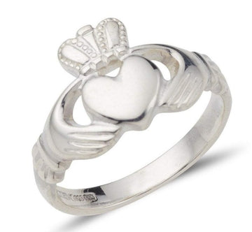 classic white gold ladies claddagh ring