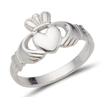 white gold classic gents claddagh ring