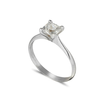 Solitaire ring 4 claw with Princess cut Diamond