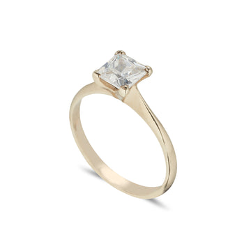 Solitaire ring 4 claw with Princess cut Diamond Yellow Gold