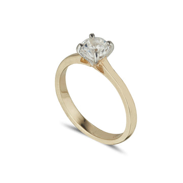 Solitaire ring 4 claw in Yellow Gold