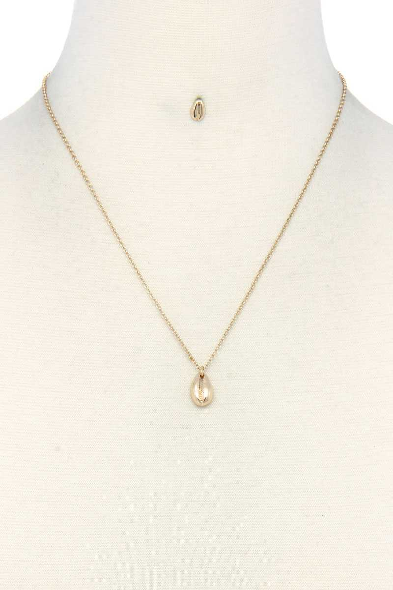 Dainty Cowrie Charm Necklace