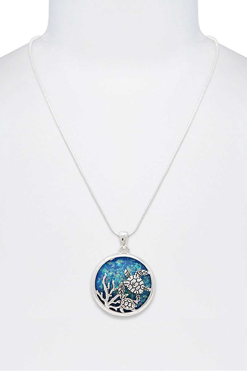 Stylish Sea Turtle Circle Pendant Necklace