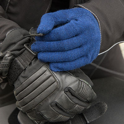 collections/AllClimate_Gloves_Black_carrier.jpg