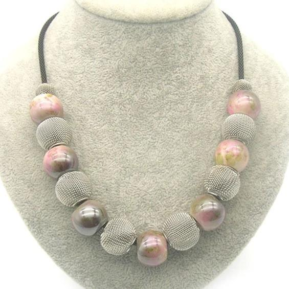 Hot Sale Handmade Acrylic Bead and Mesh Metal Short Necklace - Nova Dream Shop