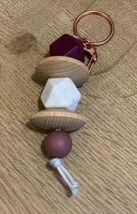Silicon bead keyring - maroon, white and wooden