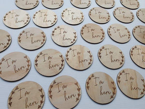 "Single wooden milestone plaques - ""I'm here"""