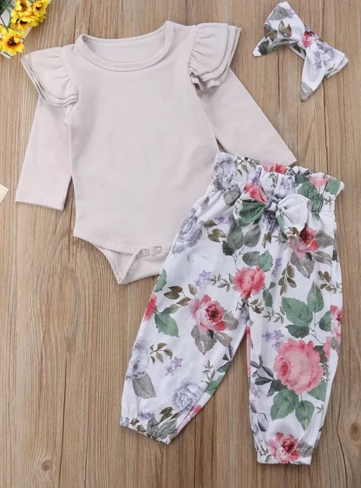 Three piece grey/light brown floral set