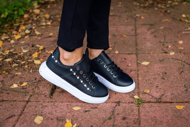 Black Pearl Detail Trainers