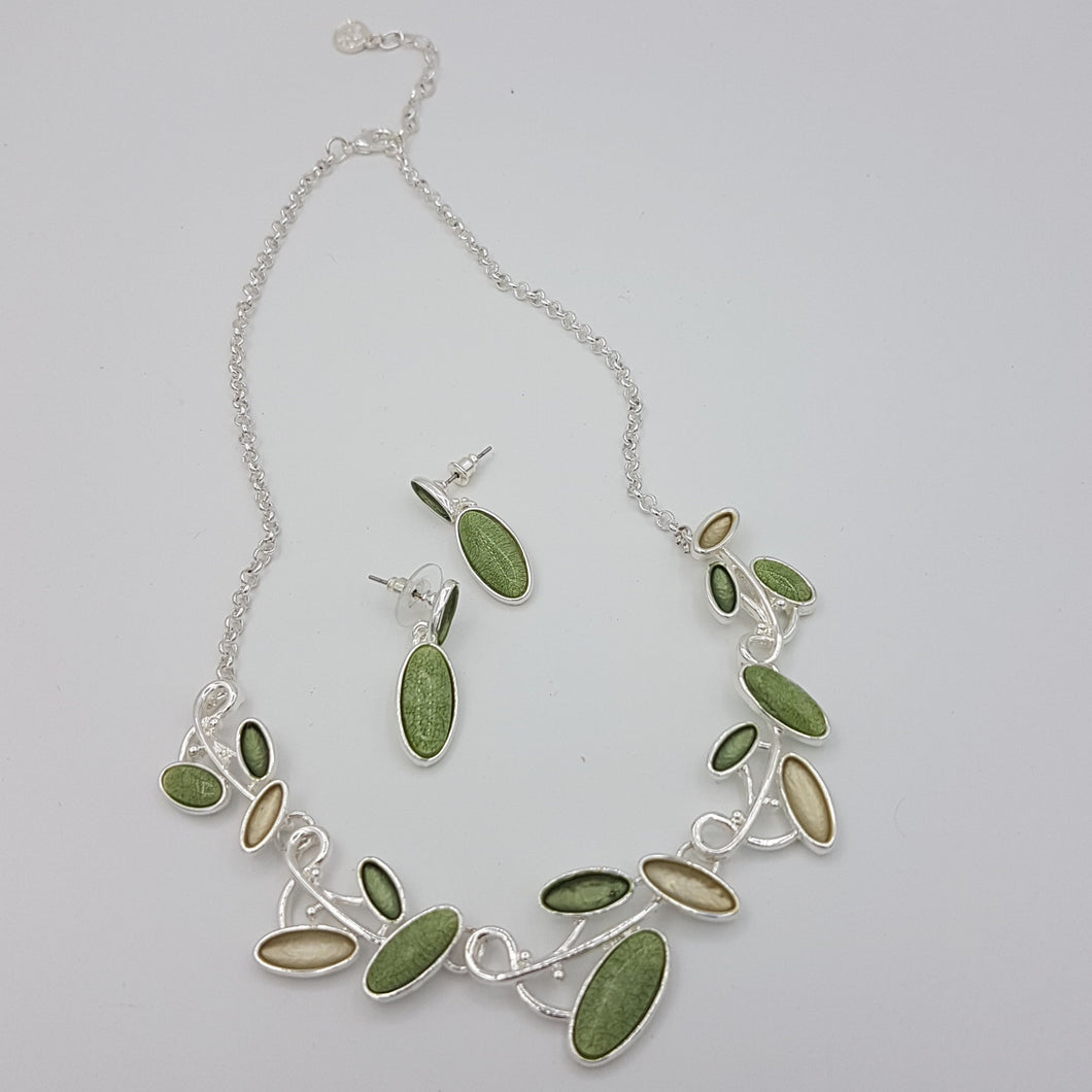 Ovals Colorful Necklace green & Silver