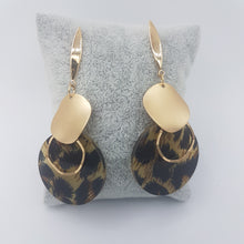 Load image into Gallery viewer, Leopard earrings