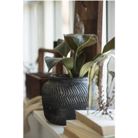 Black Cement Grooved Pot 12cm | Annie Mo's