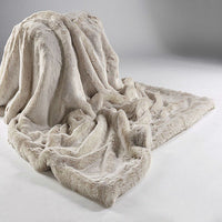 Two Toned Faux Fur Throw - Beige Alaska Fox | Annie Mo's