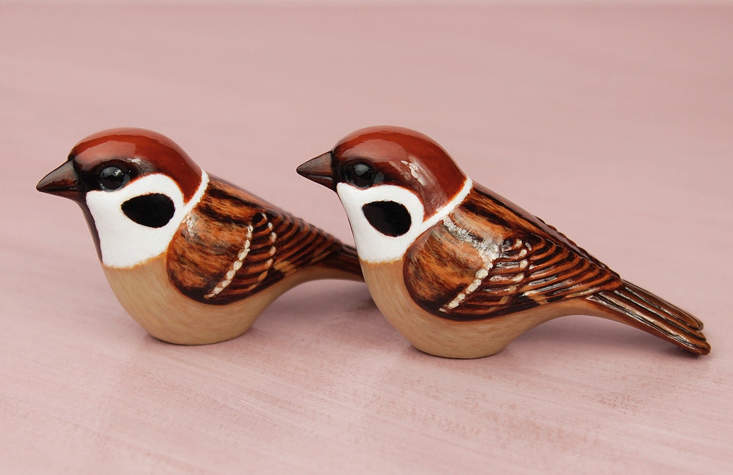 tree sparrow figurines