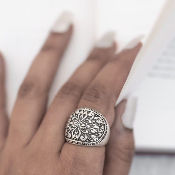 Floral Designed Finger Ring