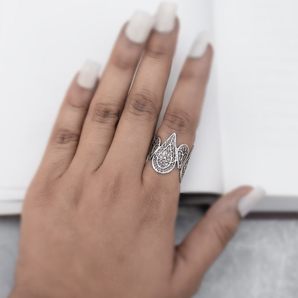Clustered teardrop  Finger Ring