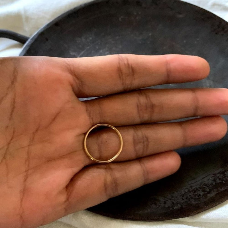 Outlined Circle Ring - Gold