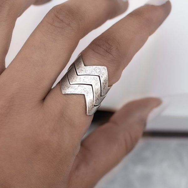 Zig-Zag Finger Ring- Stacked