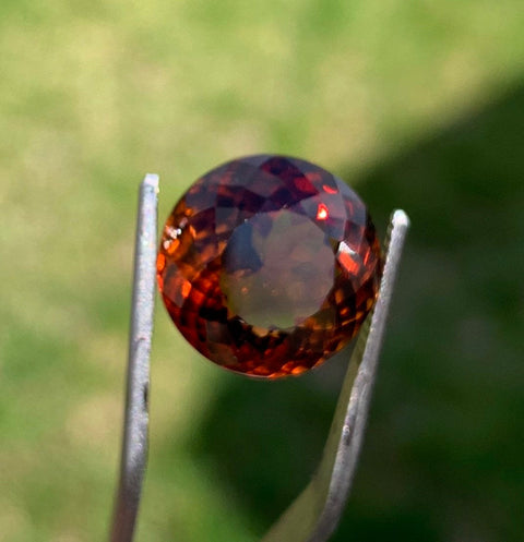 Certified Topaz, 100% Natural, 13.88 CT, gorgeous brownish orange color, Superior Luster, VVS, Perfect