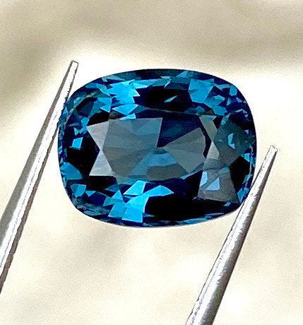 GIA Certified Blue Spinel, IF Flawless Clean, 3.06 CT, Unheated / Untreated, Cushion Cut. Perfect Cut, Color & Clarity.