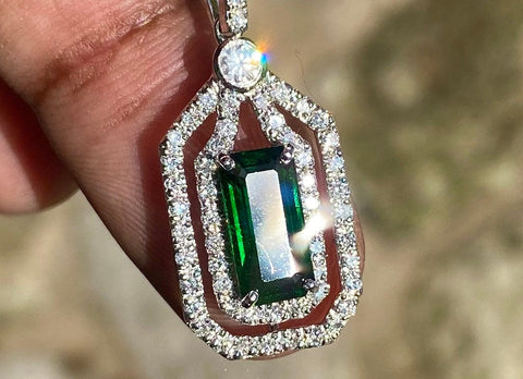 100% Natural Tsavorite Garnet, 2.8 CT (4CTW) Forest Green Color Gemstone & Diamond Pendant, VS1-VVS clean, 14K Setting, Appraised Over 15K
