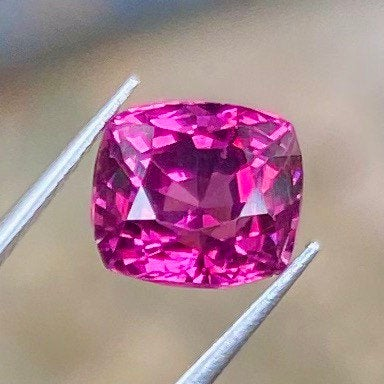 2.25 CT Garnet, Rose Color, VVS Clean, Cushion, 100% Natural Gemstone