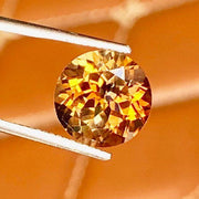 5.87 CT, Imperial Color Topaz, VVS, Round