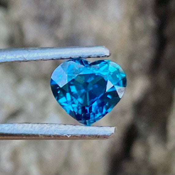 1.01 CT Blue Sapphire, IF Flawless Clarity, Heated Only, Heart Shape Gemstone.