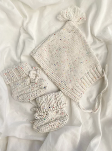 Vanilla Speckles Bonnet & Booties Set